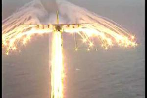 Embedded thumbnail for Video: Lockheed C-130 Hercules a jeho obranný systém