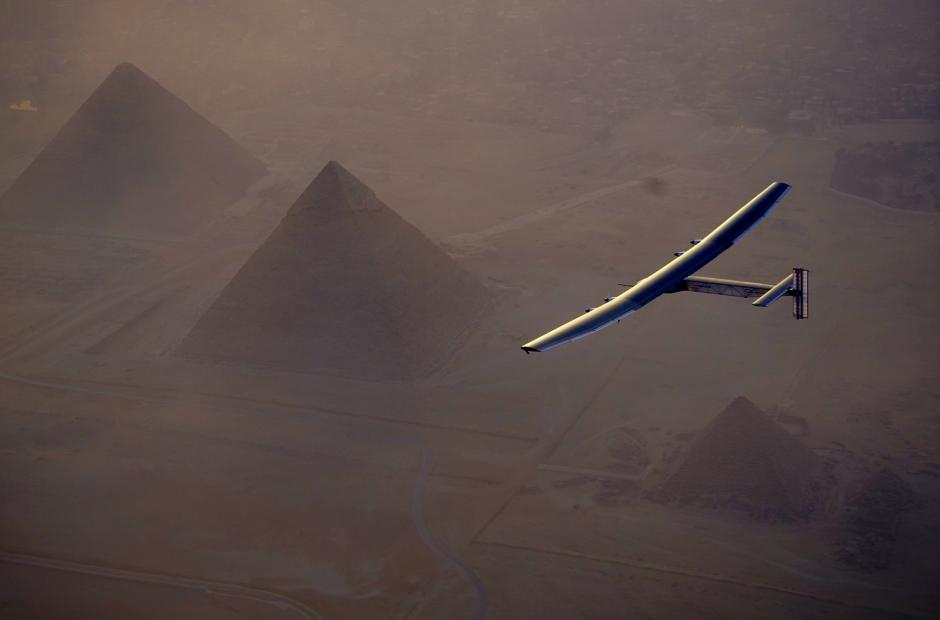 Solar Impulse 2 nad Egyptem -