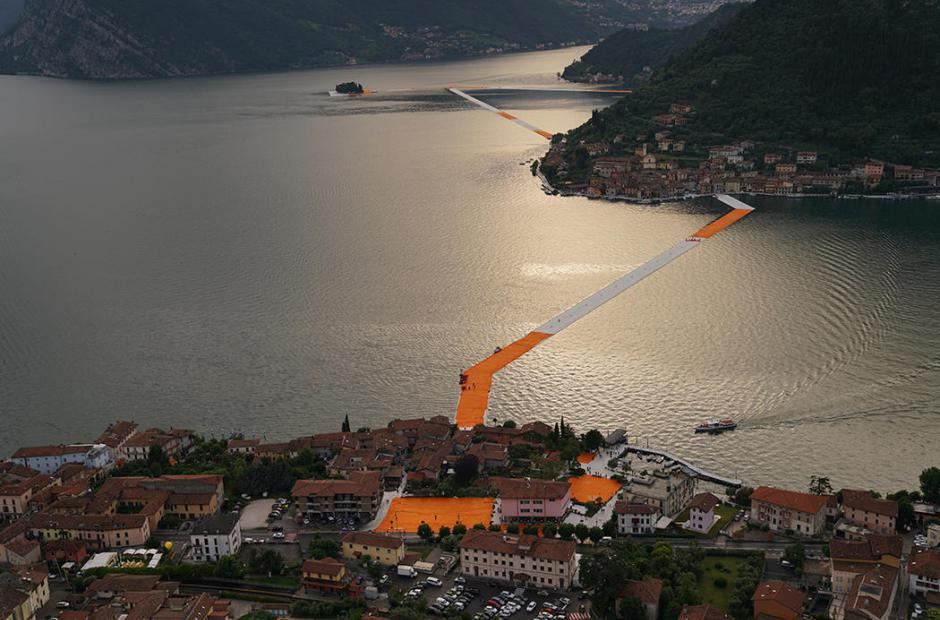 The Floating Piers (Plovoucí mola) -